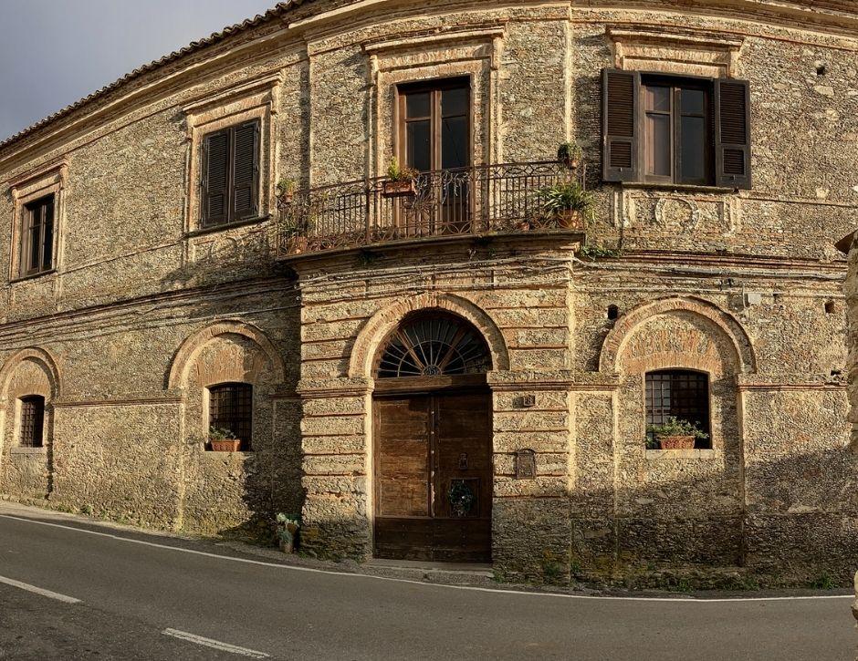 Palazzo-Famiglia-Fragale